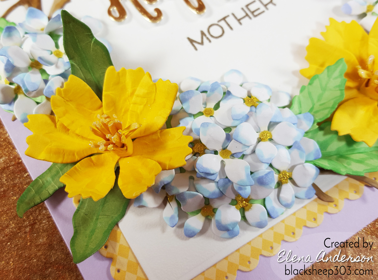 Hydrangea Wreath Mother's Day Card - Detail